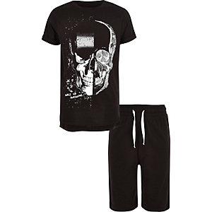 Boys black skull print pyjama set