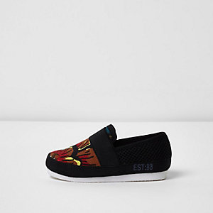 Mini boys black print slip on plimsolls