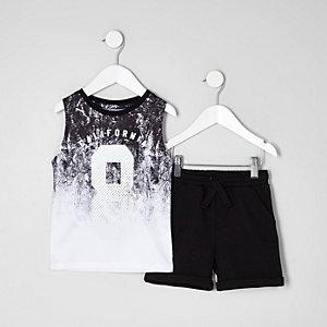 Mini - Outfit met wit hemdje van mesh en short voor jongens