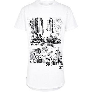 Wit T-shirt met contrasterende print voor jongens