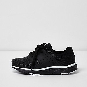 Boys black runner trainers