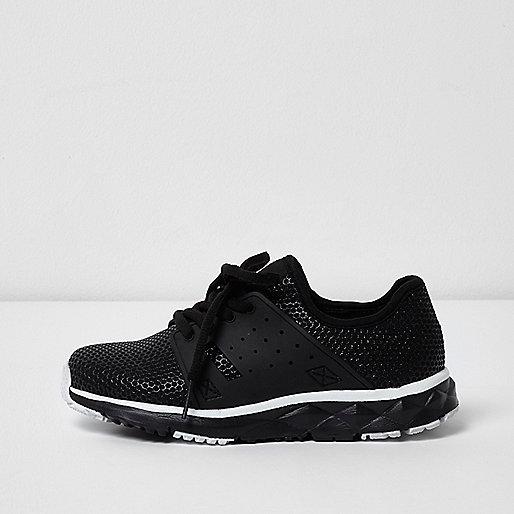 Boys black runner sneakers
