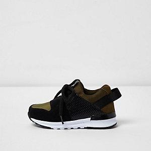 Sneaker in Khakigrün