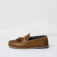Boys tan tassel loafer