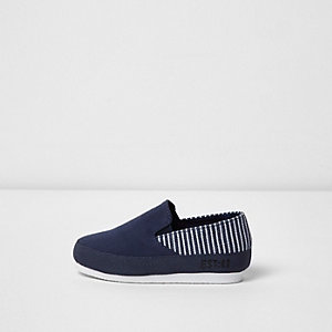 Mini boys navy stripe panel plimsolls