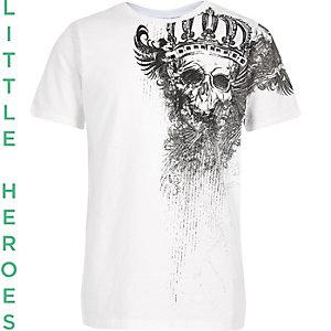 T-shirt blanc imprimé tête de mort sur l'épaule pour garçon