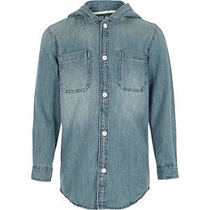 Blaues, langärmliges Jeanshemd mit Kapuze