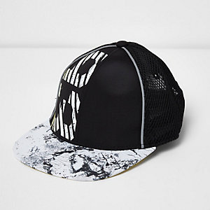 Mini boys black '93' print mesh cap