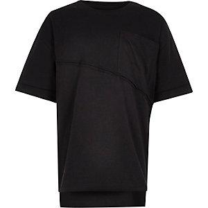 Schwarzes, kastenförmiges Oversized-T-Shirt