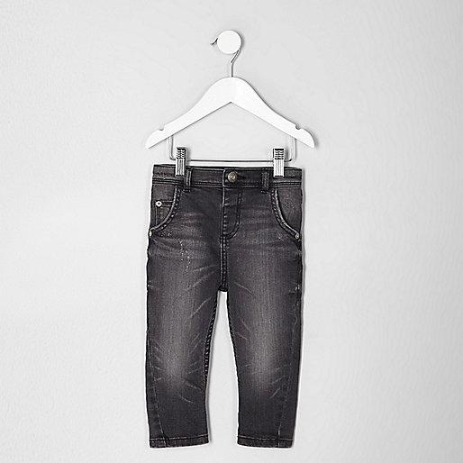Mini boys black Tony washed slouch jeans