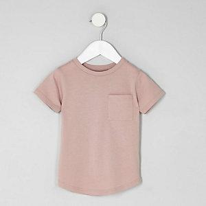 T-shirt rose à ourlet arrondi et poche pour mini garçon