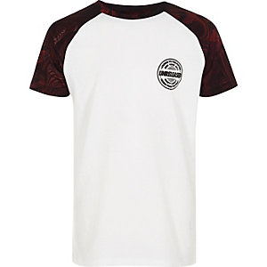 Wit en rood T-shirt met raglanmouwen voor jongens