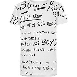Wit T-shirt met monochroom graffti-print voor jongens