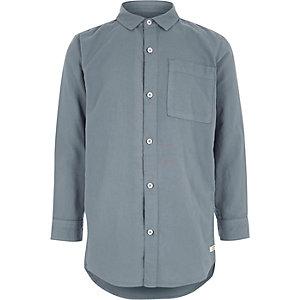 Blaues, vorgewaschenes Oxford-Hemd mit langen Ärmeln