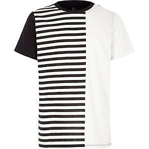 Wit T-shirt met strepen en blokken voor jongens