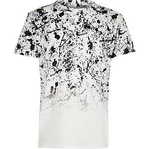 Wit vervagend T-shirt met verfspatten en korte mouwen voor jongens