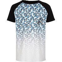 Boys blue geo fade raglan sleeve T-shirt