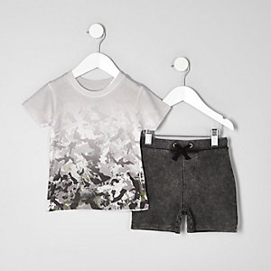 Mini boys cream camo T-shirt outfit