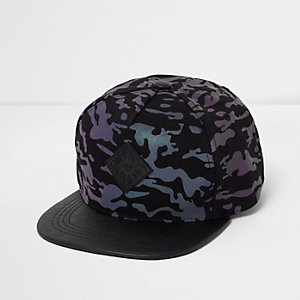 Zwarte iriserende pet met platte klep en camouflageprint voor jongens