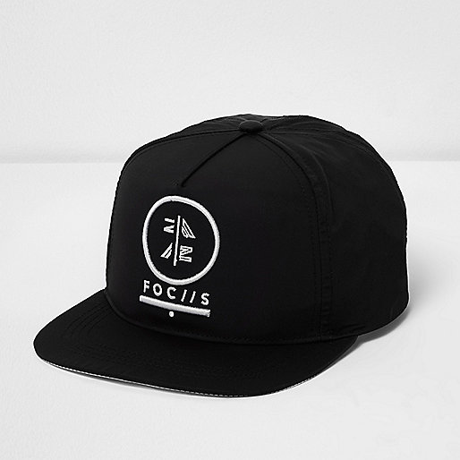 Boys black 'focus' embroidered flat peak cap