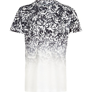 Wit T-shirt met doodshoofdprint en kleurverloop voor jongens
