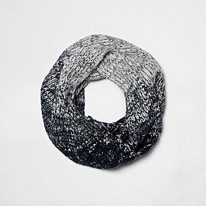 Marineblauwe ombré gebreide cirkelsjaal voor jongens