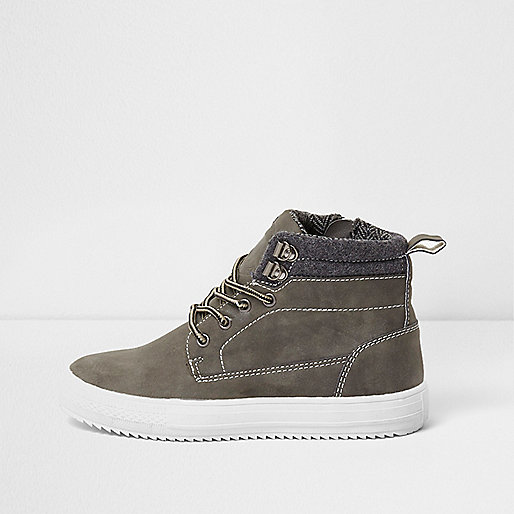 Boys grey cleated contrast sole ankle boots
