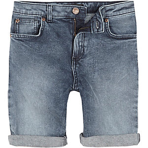 Dylan - Middenblauwe slim-fit denim short voor jongens