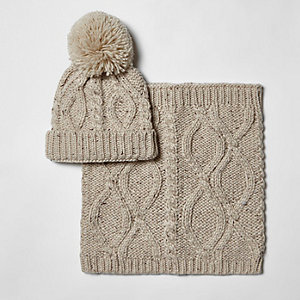 Boys cream beanie hat and snood set