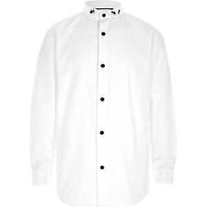 Wit overhemd met lange mouwen en insectenprint op de kraag voor jongens
