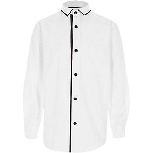 Wit overhemd met lange mouwen en gestreepte bies voor jongens