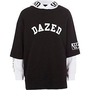 Zwart T-shirt met 'dazed'-print en contrasterende hoodie voor jongens