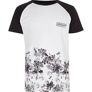 Wit T-shirt met raglanmouwen en bloemenprint voor jongens