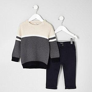 Mini - Outfit met grijze pullover met kleurvlakken en chino voor jongens
