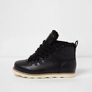 Zwarte wandellaarzen tot de enkel met borgvoering voor jongens