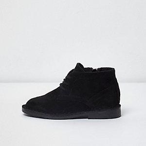 Desert boots noires en imitation daim mini garçon