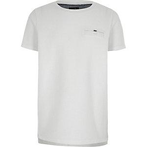 Wit T-shirt met wafeldessin en borstzakje voor jongens