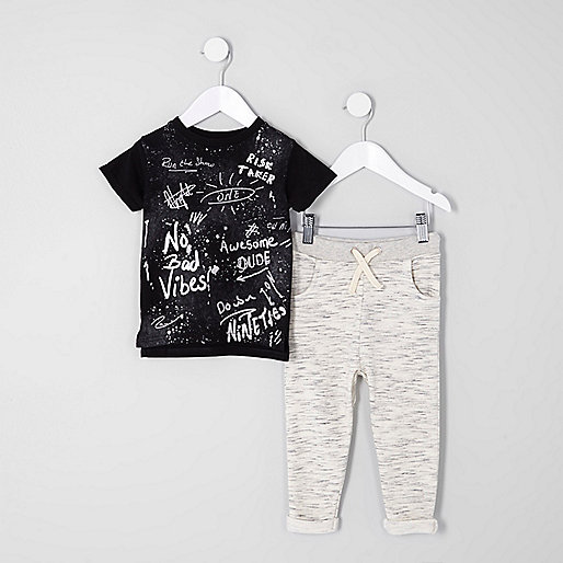 Mini boys black graffiti top joggers outfit