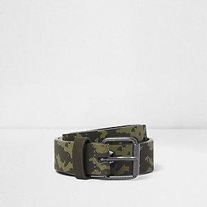 Gürtel in Khaki mit Camouflage-Muster
