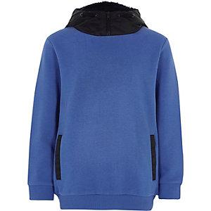 Blaues Sweatshirt mit Kapuze