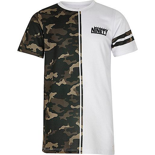 Boys white split camo print 'ninety' T-shirt