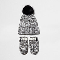 Mini boys grey knit beanie hat and gloves set