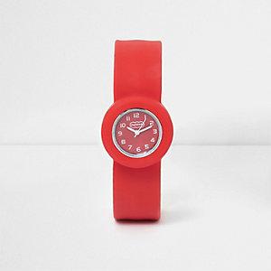 Rood horloge met druksluiting voor jongens