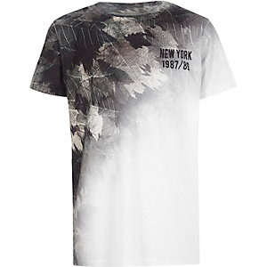 Boys white leaf ombre print T-shirt