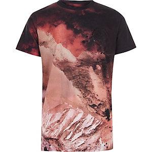 Rood T-shirt met landschapprint en korte mouwen voor jongens
