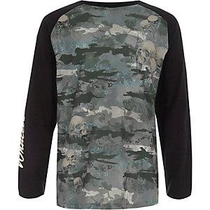 Kaki T-shirt met camouflageprint en lange raglanmouwen voor jongens