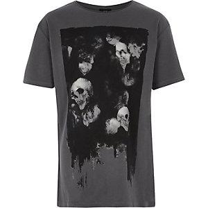 T-shirt imprimé tête de mort gris foncé pour garçon