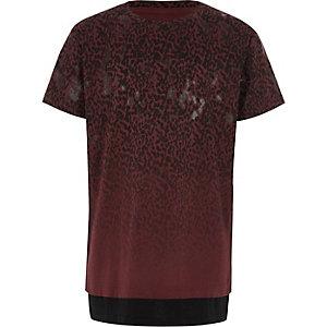 Bordeauxrood gelaagd T-shirt met luipaardprint voor jongens