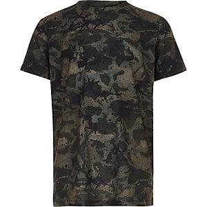 Kaki T-shirt met verfspetters en camouflageprint voor jongens