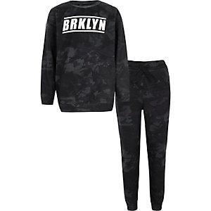 Outfit met zwart camouflage sweatshirt met 'Brklyn'-print voor jongens